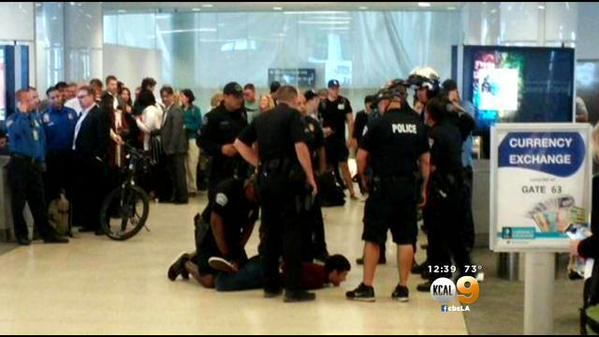 Icymi Suspect Detained At Lax Watch