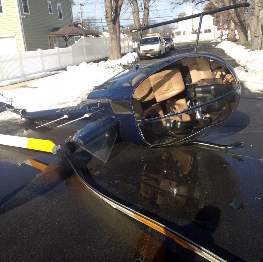 BREAKING NEWS: Helicopter Crashes In Long Island