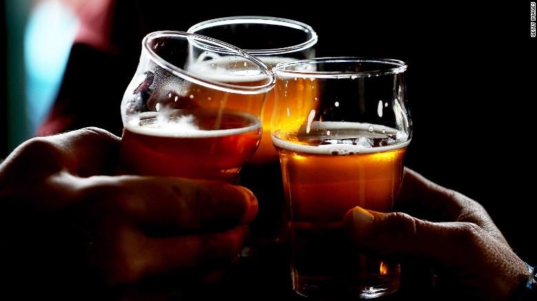 151120001122-cnnmoney-beer-exlarge-169