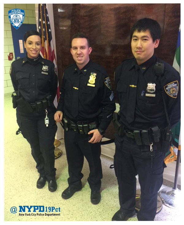NYPD Veteran Cop And New Officers Make An Arrest In The
