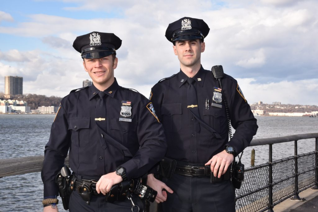 NYPD Officers Rescue Man In Hudson River Breaking911