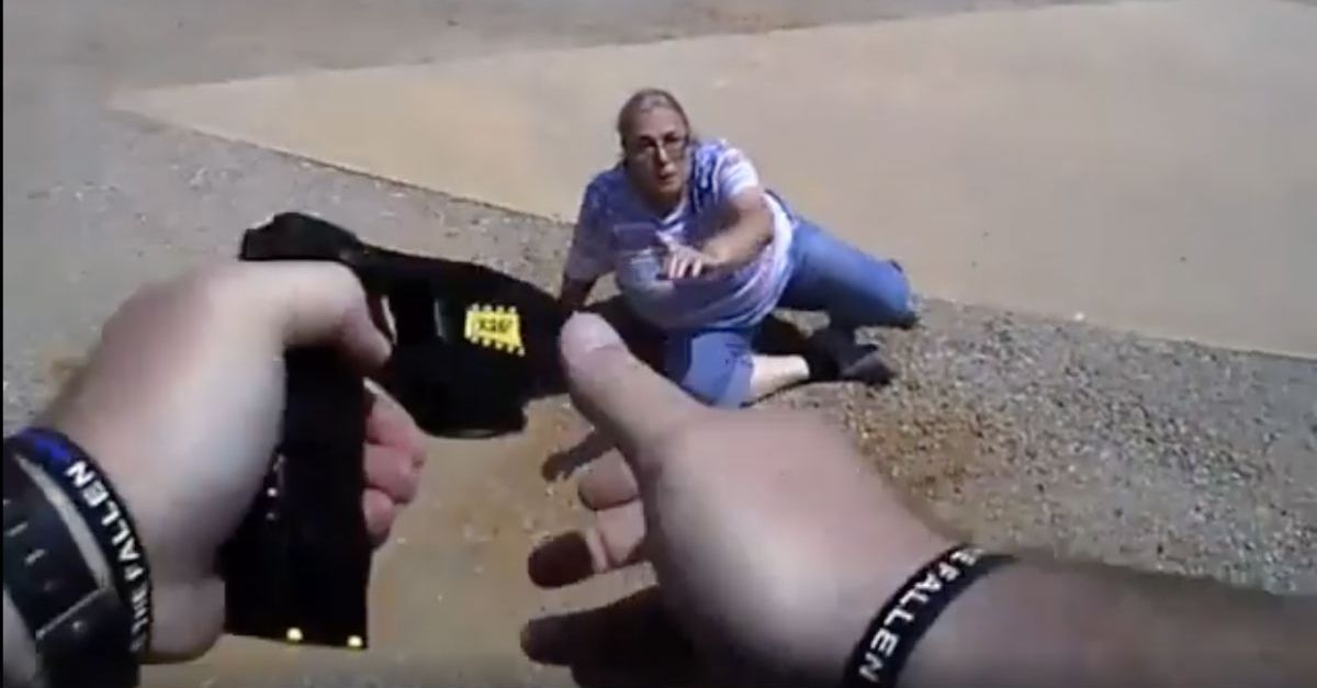 Nyc Traffic Ticket >> MUST WATCH: Old Lady Refuses To Sign Traffic Ticket, Leads ...